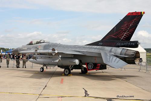 BAF F-16 350th Squadron FA-68  Special Tail at FLORENNES juin 20122012-06-23 11-22-36_116 - mod et signe
