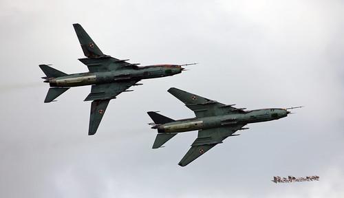 Polish Air Force Su-22M4  x 2 3819 and 8919  display at FLORENNES juin 20122012-06-23 15-26-14_1122 - mod et signe