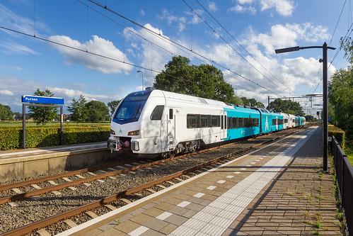 Arriva Winks rijden 601 en 602 door Putten, op weg naar het hoge noorden.