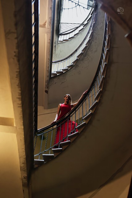 Sinba in an old staircase in Riga, Latvia, 2017-06-19