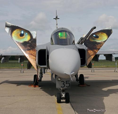 SAAB JAS39C Gripen 9235 Czech Air Force at FLORENNES juin 20122012-06-23 11-33-42_147 - mod et signe