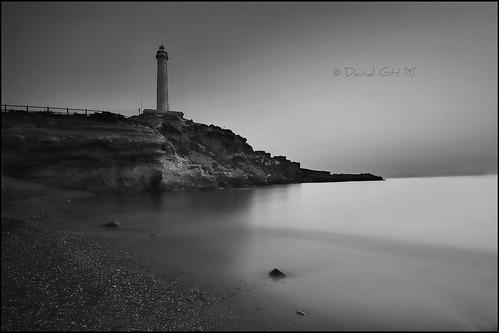 Faro del Cabo de Palos (Cartagena).  Blanco y negro...    Lighthouse of Cabo de Palos (Cartagena). B&W...