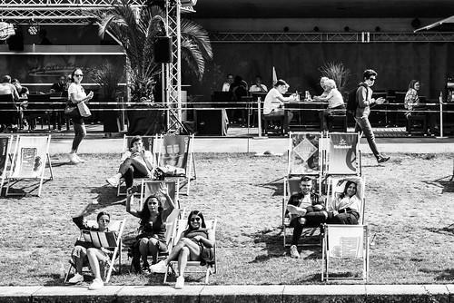 Waving People at Bundespressestrand