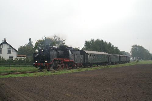 Baureihe 24 009 museumtrein bij vertrek uit Beekbergen 15-10-2006