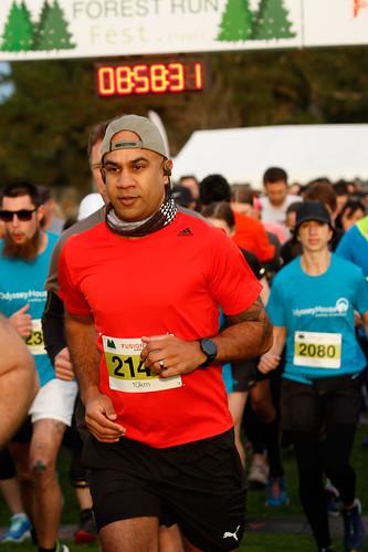 Five and 10km race start