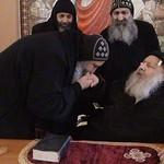 الراهب القمص فانوس الأنبا بولا مع الأنبا كيرلس أسقف ورئيس دير مارمينا مريوط (3)