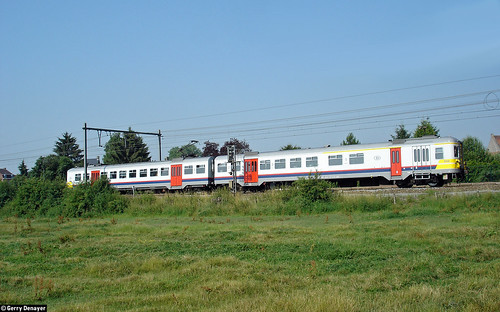 NMBS 644 @ Houraing (Lessines)
