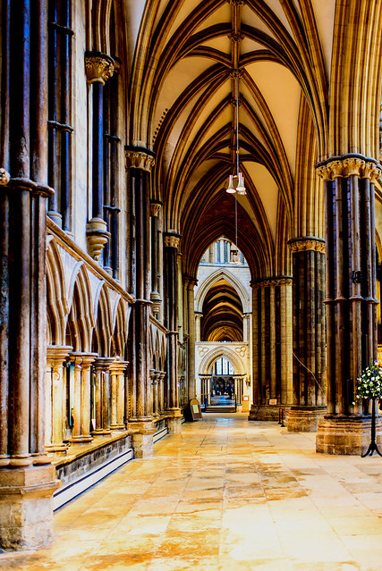 Lincoln Cathedral - interior-3