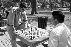 Chess match in Dupont Circle [01]