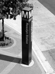 Rosslyn station entrance pylon [03]
