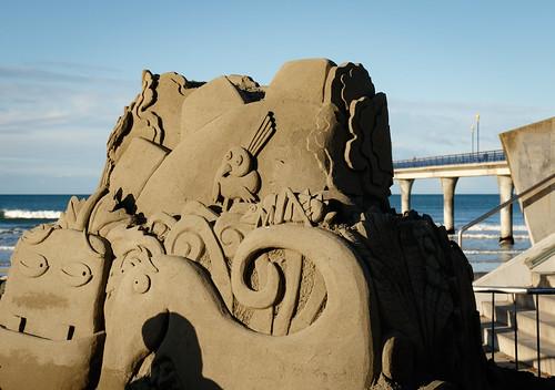 Kiri & Lou sand sculpture (190/366)