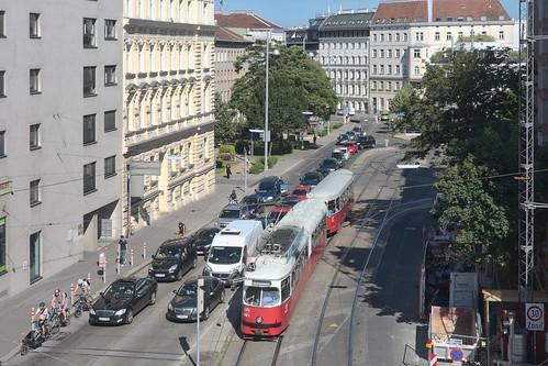 2017-06-19 AT Wien 09 Alsergrund, Lazarettgasse, Zimmermannplatz, E1 4861+c4 1357 Linie 43