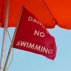 Surf warning flag [01]