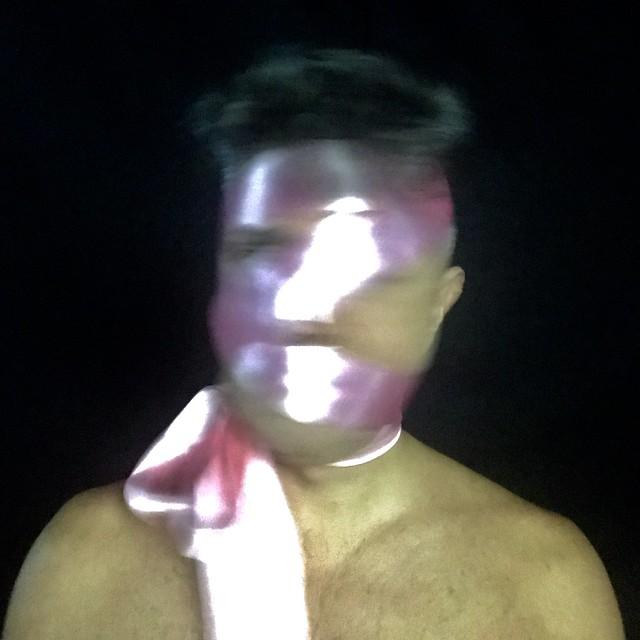 2018 - Selfiescultura - EM LAÇADO - Fause Haten