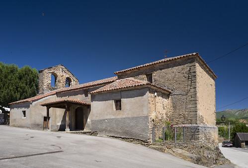 Villares de Jadraque, Iglesia de Sta. Librada.