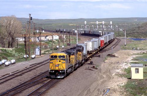 CNW (UP) 8709 west Intermodal, Hanna Wyoming 06.06.1995