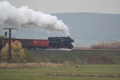 2008-10-31; 0025. Loc 52 8079-7 met WEG 32a. Leimbach. Plandampf 2008, Dampf trift Kies.