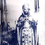 البابا مكاريوس الثالث بعد سيامته مطرانا لأسيوط