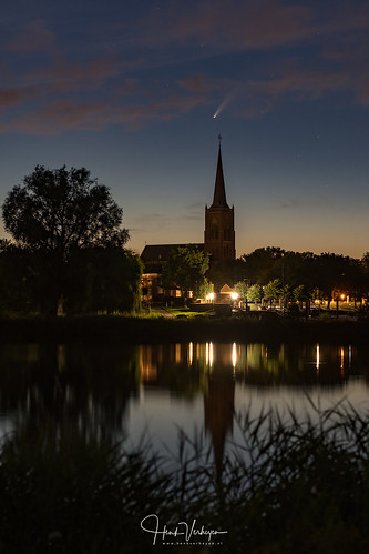 Last night Comet Neowise captured above Batenburg, a small town in the Netherlands