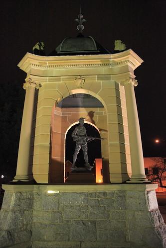 2010-07-06_1955-29a War Memorial at Bathurst