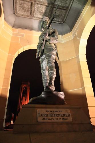 2010-07-06_1956-06a War Memorial at Bathurst