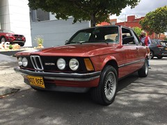 157 Kastanienrot 1982 BMW 323i E21 Baur TC