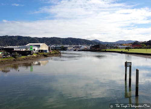 Waiarohia Stream sunny day reflections