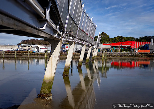 Waiarohia Stream Footbridge angles