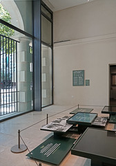 Salle consacrée à l'exode de 1940 (musée Libération, Leclerc, Moulin, Paris)
