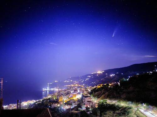 Neowise comet over Cetraro - La cometa Neowise su Cetraro