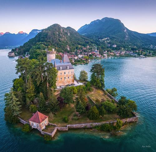 Castle on a peninsula