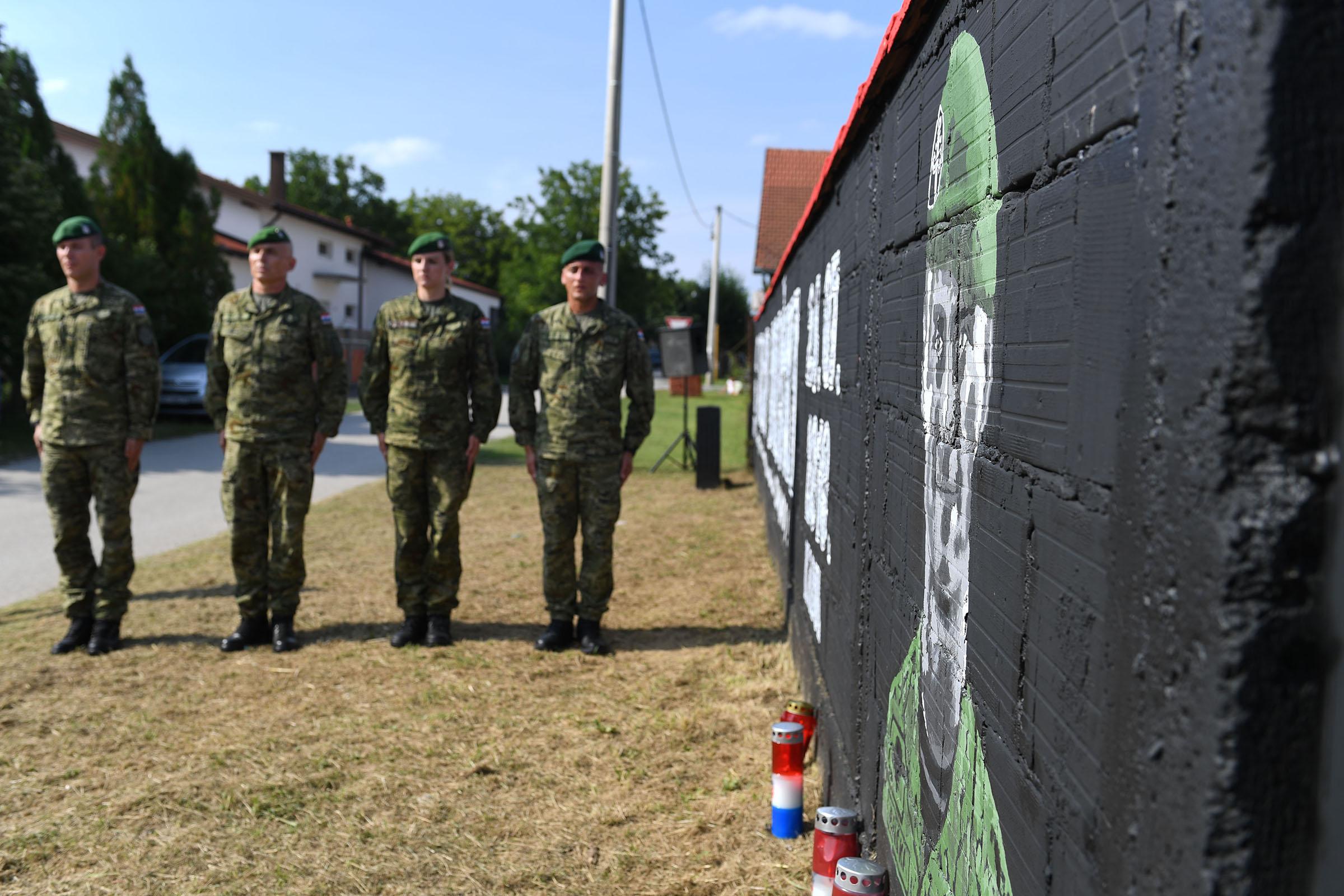 U sjećanje na Josipa Briškog postavljen mural u više gradova