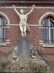 Hondeghem  calvaire du  cimetière de l'église Saint-Omer