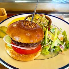 ザ・コーナー ハンバーガー&サルーン (THE CORNER Hamburger & Saloon)