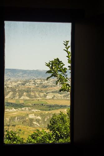 Craco - panorama con finestra del museo MEC