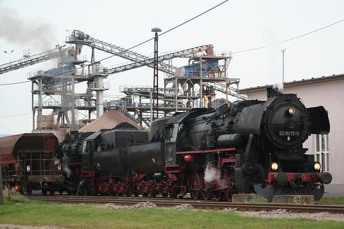 2008-10-31; 0063. Loc 52 8079-7 en 52 8075-5 rangeren WEG 391n, Vorabfuhr Railion ex 60562. Immelborn. Plandampf 2008, Dampf trift Kies.