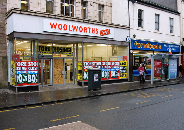 Woolworths on Last Day of Trading in Dumbarton High Street, 6th January 2009