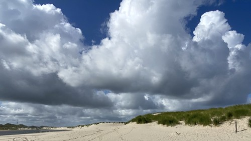 Dutch skies on the North Sea beach ...