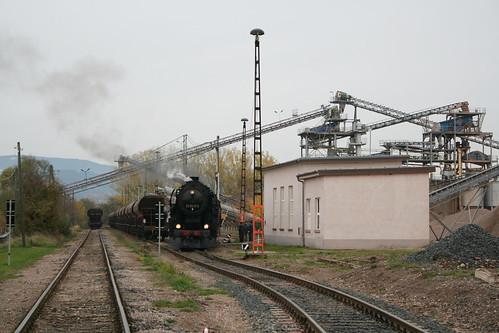 2008-10-31; 0060. Loc 52 8079-7 en 52 8075-5 rangeren WEG 391n, Vorabfuhr Railion ex 60562. Immelborn. Plandampf 2008, Dampf trift Kies.