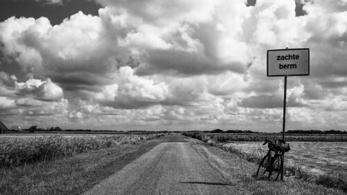 Big sky island. Soft shoulder. Texel, Netherlands. LeicaM Cron35Asph.
