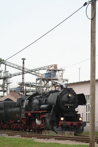 2008-10-31; 0064. Loc 52 8079-7 en 52 8075-5 rangeren WEG 391n, Vorabfuhr Railion ex 60562. Immelborn. Plandampf 2008, Dampf trift Kies.