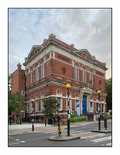 The old Hampstead Town Hall …