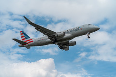 American Eagle Embraer E175 Coming in For a Landing