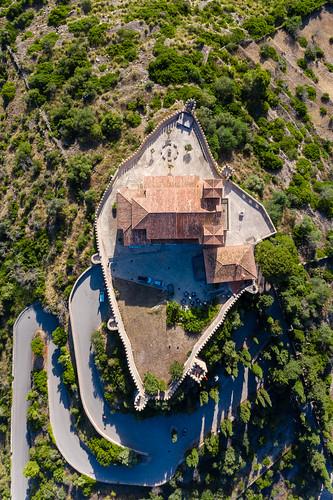 Overhead Luftbild der mittelalterlichen Festung vom Santuari de Sant Salvador in Artà, Mallorca