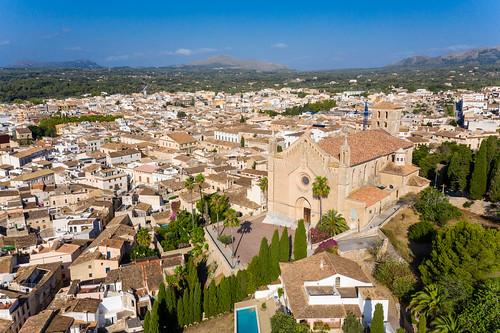Església parroquial de la Transfiguració del Senyor. Parish church above Artà, Mallorca, drone photo