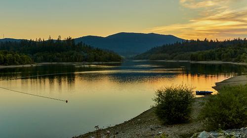 Zalazak nad Lepeničkim jezerom nedaleko Fužina