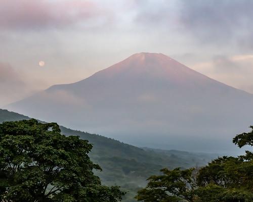 Summer Fuji and full moon at dawn