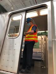 MTA Crews Repair Vandalized Windows on 7 Train