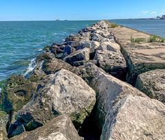 Cleveland Harbor west breakwater repairs