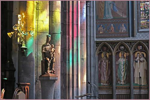 Jeu de lumières, Cathédrale Saint-Paul, Liège, Belgique